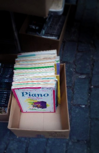 piano books in box